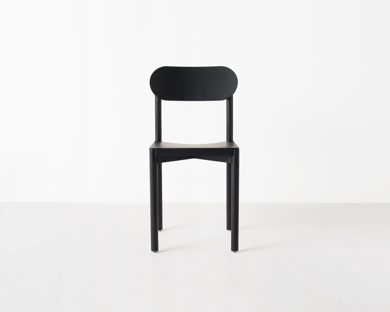 Image: uploads/2017_03/Resident-studio-chair-by-Jason-Whiteley-2.jpg