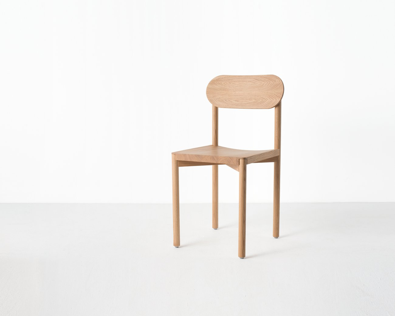 Image: uploads/2017_03/Resident-studio-chair-by-Jason-Whiteley-7.jpg