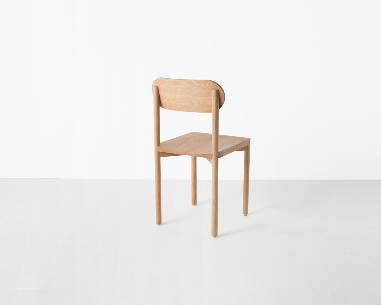 Image: uploads/2017_03/Resident-studio-chair-by-Jason-Whiteley-8.jpg