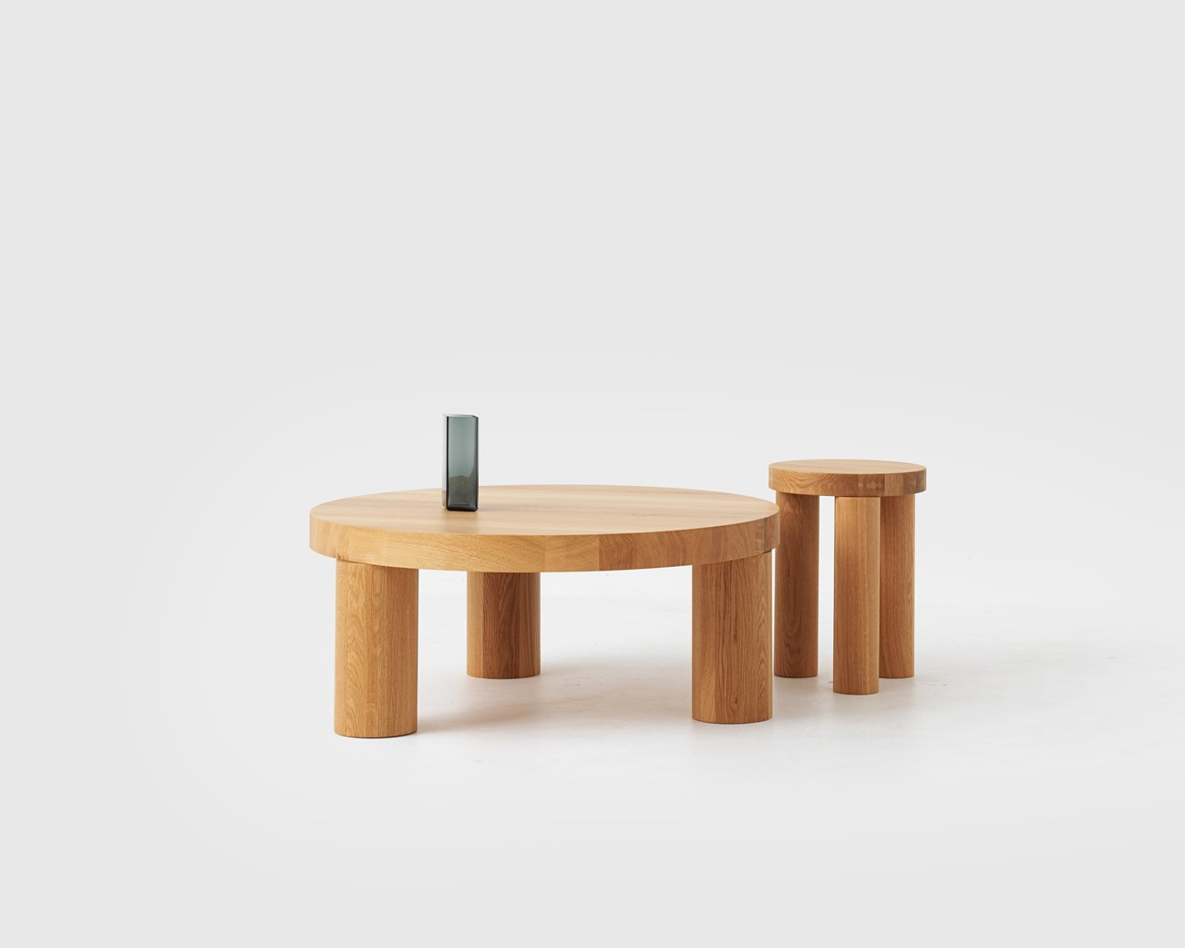 Image: uploads/2017_11/Offset-Table-and-stool-by-Philippe-Malouin-1.jpg