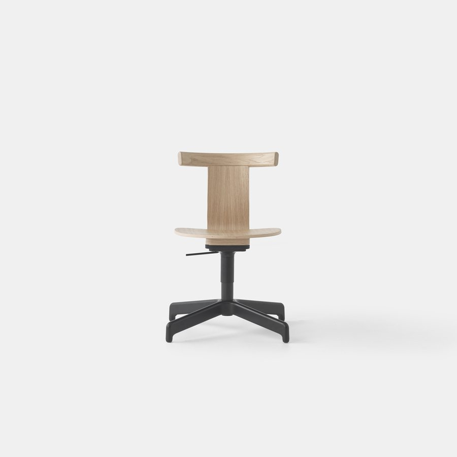Jiro Swivel Chair (Nat Oak Blk Base)